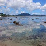 雲を見事にリフレクトしている米原ビーチの海面3
