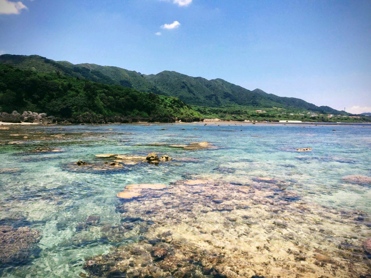 干潮時の米原ビーチ
