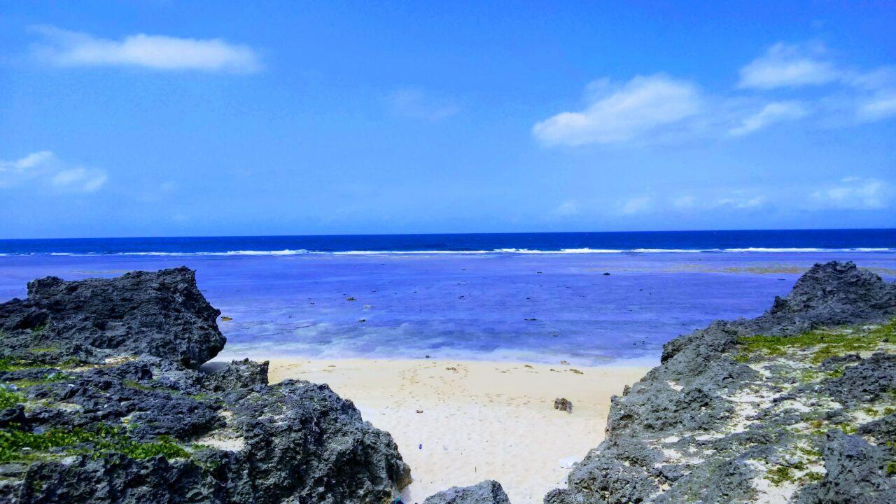 鳩間島島仲の浜